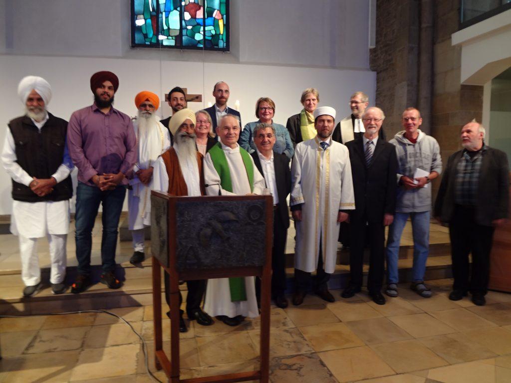 Foto mit den Predigern beim interreligiösen Gottesdienst in der Marktkirche am 24.06.2018